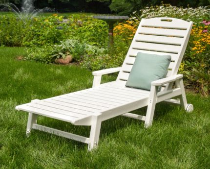 Polywood Nautical Chaise w Arms & Wheels