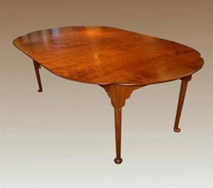 Cloverleaf Table