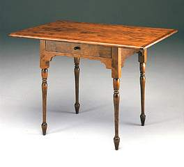 Small Queen Anne Tavern Table