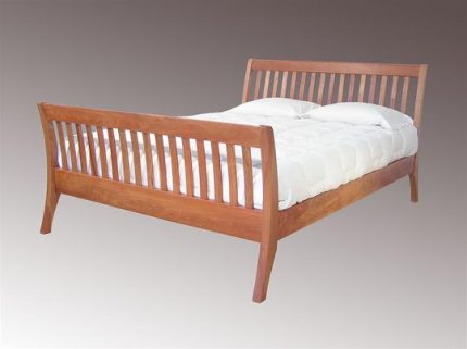 NH Sleigh Bed
