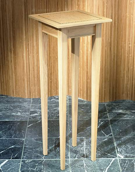 Andy Pedestal Table