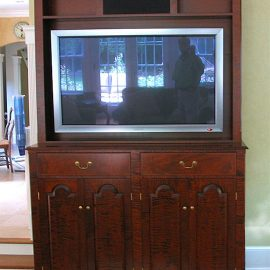 Flat Screen Entertainment Cabinet