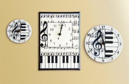 Music Notes Clocks