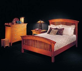 Arched Spindle Bed