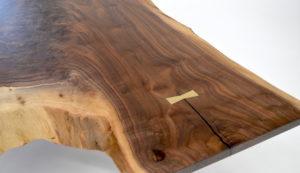 Live edge walnut coffee table brass legs - detail