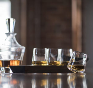 Ludlow Whiskey Glass Set side